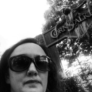 I'm hungry and lost in Frontiertown, while wearing heels.